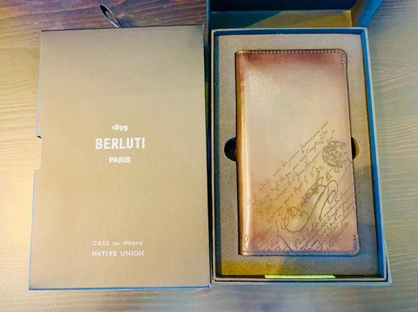 Berluti(ベルルッティ) のIPHONE11 PROMAX用、レザーケース